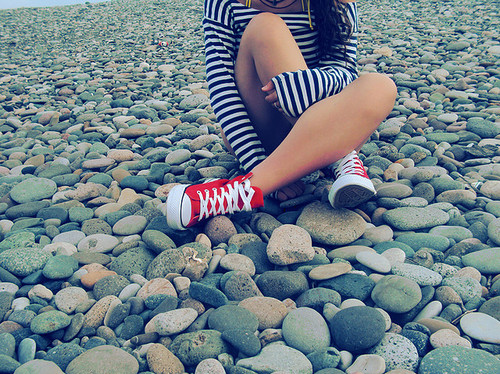 beach-converse-girl-red-Favim.com-124400[1]